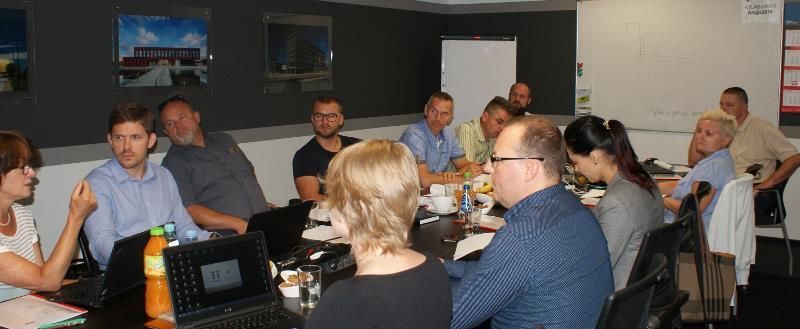 Od lewej: Maria Dreger (Rockwool Polska), Krzysztof Bagiński (Mercor), Marcin Kozakiewicz (Mak-Dachy), Rafał Kozakiewicz (Mak-Dachy), Tomasz Wehowski (ISO-Chemie), Tadeusz Polański (Unilux System), Maciej Runka (Bauder Polska), Jacek Lebek (Tyron), Natalia Bejga (DWD Bautech), Katarzyna Wiktorska (DAFA), Filip Mroczek (Atlas Ward Polska), Monika Hyjek (Atlas Ward Polska).