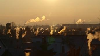 Czy kompleksowa termomodernizacja to remedium na SMOG w Polsce?