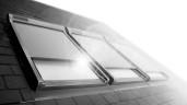 Pierwszy na rynku nawiewnik antysmogowy w oknach dachowych – ochrona poddasza przed smogiem